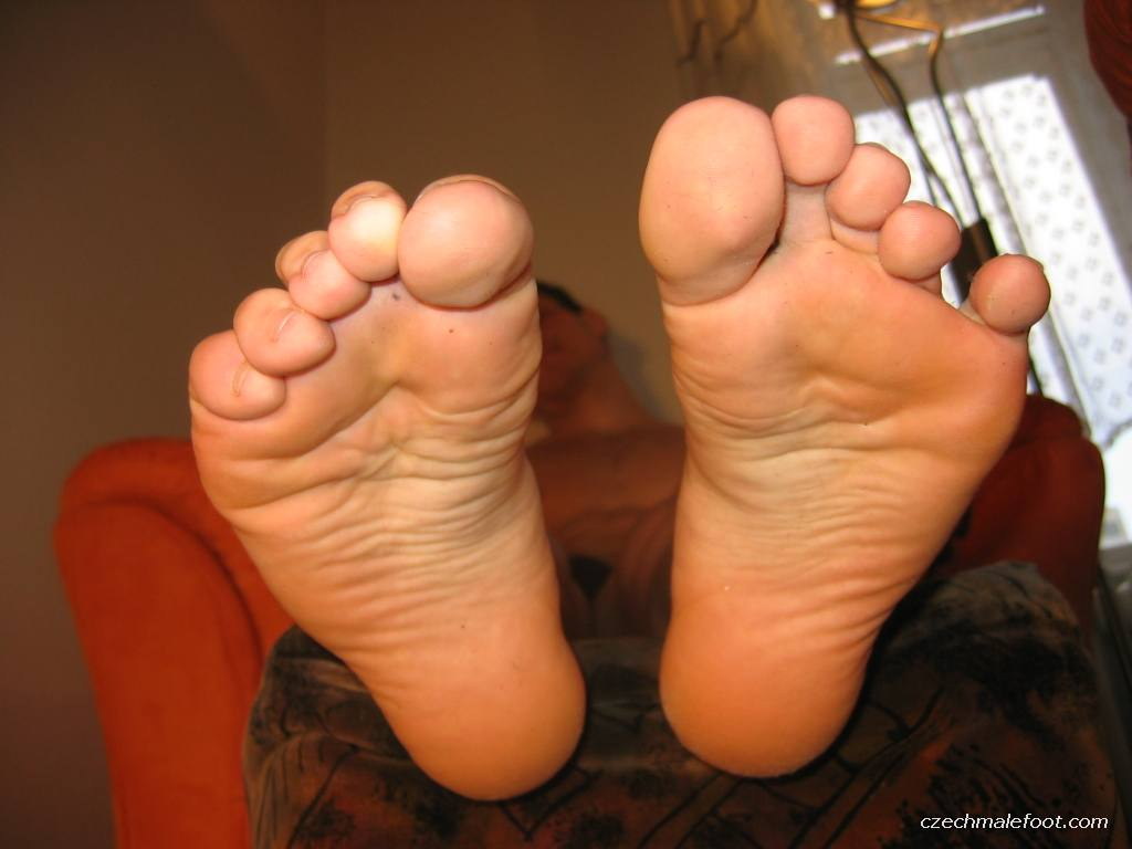 cerny feet - Czech Male Feet - Photo, Picture, Image and Wallpaper
